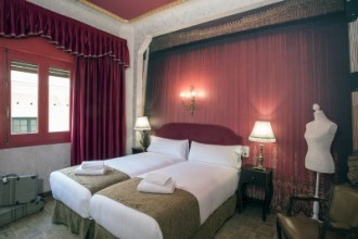 Casual Hoteles makes its debut in Madrid with a theatrically themed establishment