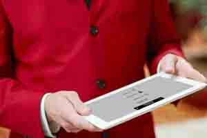 Madrid Marriott Auditorium Hotel launches the Red Coat Direct App