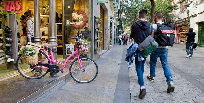 franja arrastrar Lejos  Shopping: Chueca-Malasaña-Fuencarral   Official tourism website