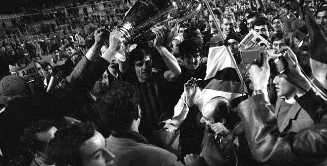 AC Milan celebrate winning the 1968/69 European Cup final © Getty Images