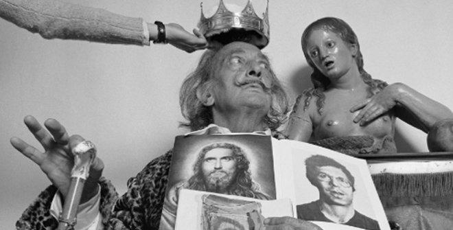 Alberto Schommer. La coronación observada. Salvador Dalí, 1973 @ FundaciónAlberto Schommer