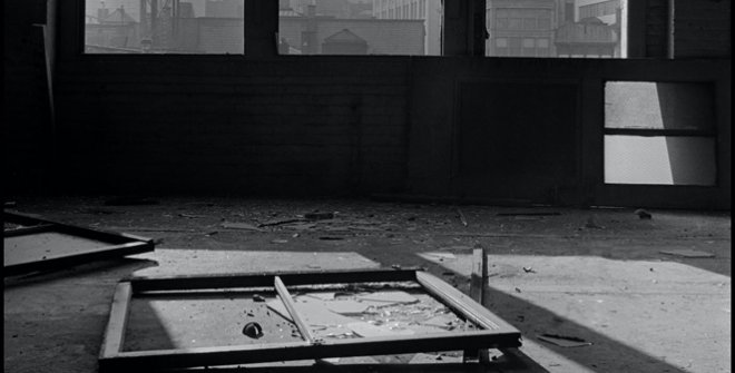 Danny Lyon. Vista hacia el sur desde el nº. 88 de la calle Gold. 1967 © Danny Lyon / Magnum Photos