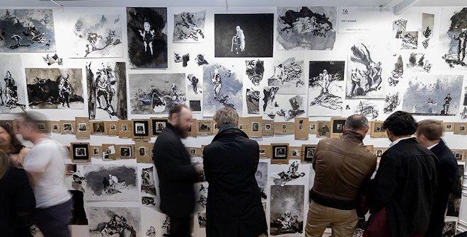 Visitantes durante la quinta edición de Drawing Room (2020) © Jesús Varillas, cortesía: Drawing Room