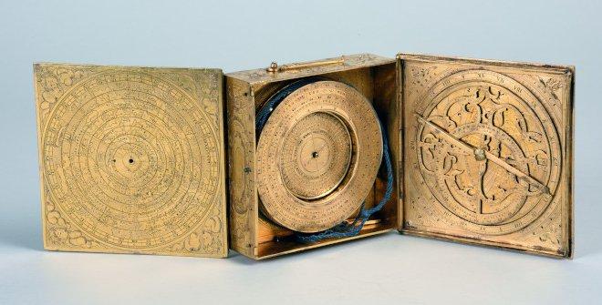 Thobias Volckhmer, Estuche instrumental astronomico(Museo Naval)