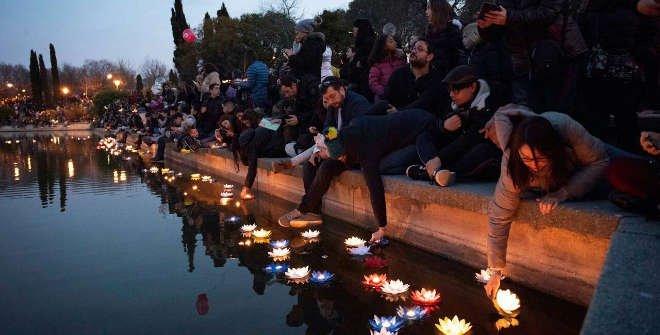 Ceremonia de la luz en el Lago del Parque de Pradolongo. Año Nuevo Chino Usera (Madrid)  2019