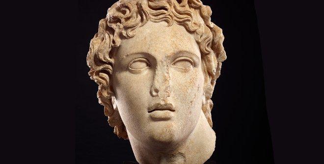 Cabeza al estilo de Alejandro Magno, mármol, siglo II, Imperio romano© Trusteesof the British Museum