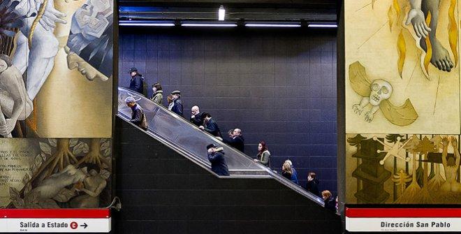 Escaleras del metro. Universidad de Chile Santiago de Chile, septiembre 2015. Finalista para Chile en el World Photography Cup de Roma 2021