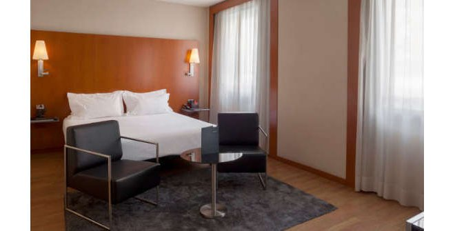 Hotel AC Los Vascos - habitación