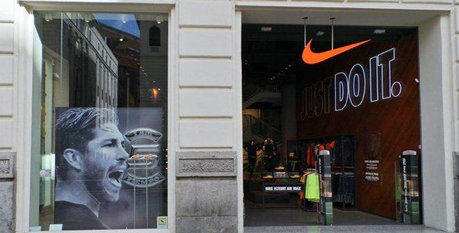 classic shoes shopping sale retailer Nike Madrid
