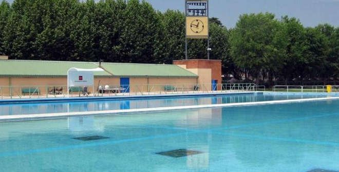 Parque deportivo puerta de hierro for Piscina puerta del hierro