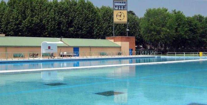 Piscina al aire libre del Parque Deportivo Puerta de Hierro