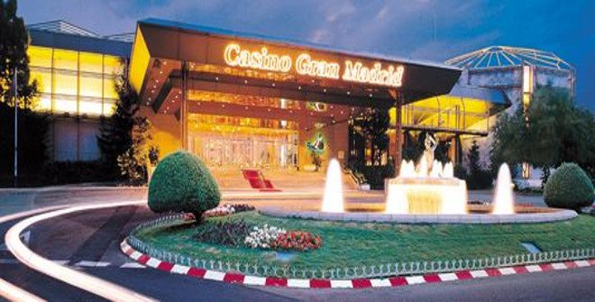 Singapore licenses two casino junket operators