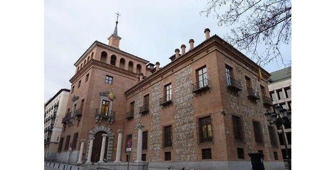 Casa de las Siete Chimeneas (autor: Luis García (Zaqarbal))