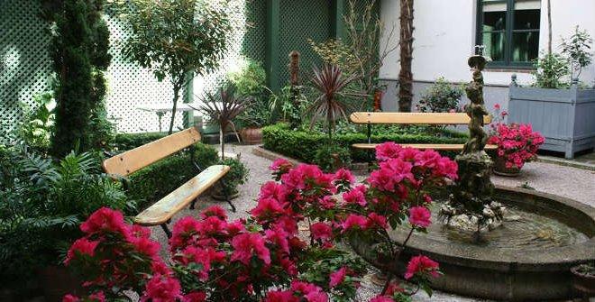 Jardin del Magnolio - Museo del Romanticismo