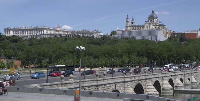 Museo de las Colecciones Reales visto desde el Puente de Segovia © FCC