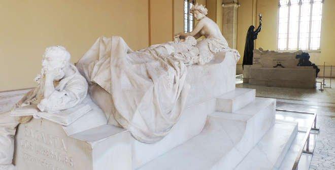 Sepulcro de Sagasta en el Panteón de Hombres Ilustres