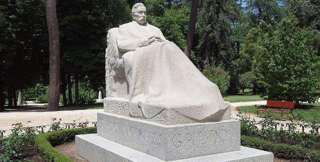 Monumento a Galdós en el parque de El Retiro. Obra de Victorio Macho, 1918. Foto © Luis García CC BY-SA 3.0 es