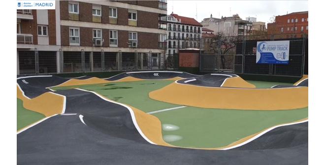 Pista Pump Track Jardines de José Luis Sampedro de Chamberí