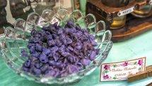 Caramelos de violeta de La Pajarita. © Álvaro López del Cerro