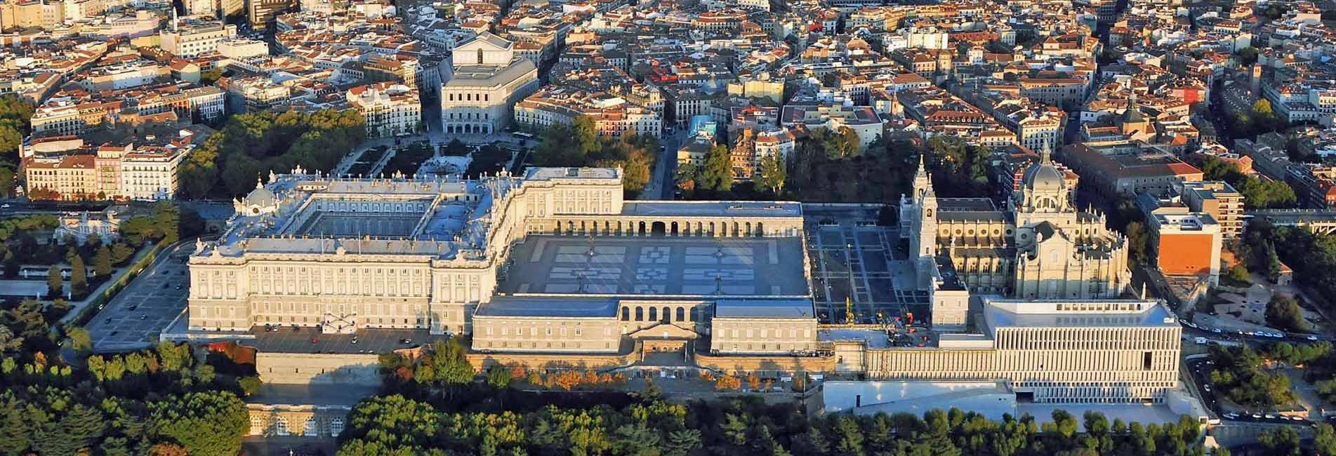 Vista aérea Palacio Real, Teatro real, Catedral de la Almudena y Museo de las Colecciones Reales © Patrimonio Nacional