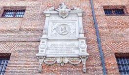 Visita El Madrid de los libros. Placa Miguel de Cervantes en Convento de las Trinitarias