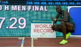 Grant Holloway (EEUU) tras batir el récord del mundo de 60 metros vallas en el Meeting Villa de Madrid. 24 de febrero de 2021