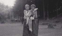 Judith Joy Ross.Sin título, Eurana Park, Weatherly, Pensilvania, 1982.9,37 × 24,45 cm.© Judith Joy Ross, courtesy Galerie Thomas Zander, Cologne