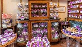 Visita Las mujeres en los oficios de Madrid. Tienda La Violeta