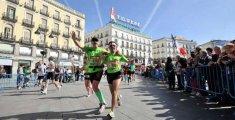 Maratón de Madrid a su paso por la Puerta del Sol