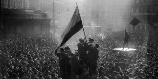 Alfonso. Proclamacion de la Republica 14 abril 1931 © Alfonso. VEGAP, Madrid, 2021