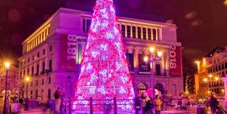 Árbol de Navidad delante del Teatro Real. Navidad 2019-2020