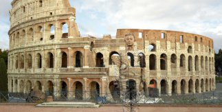 Colosseo n°2, Roma, 2017. Courtesy Boxart, Verona / Liu Bolin
