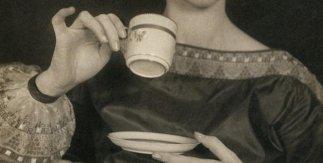 Margaret Watkins. Untitled (Verna Skelton Posing for Cutex Advertisement), New York, 1924 © Margaret Watkins. Joseph Mulholland Collection, Glasgow