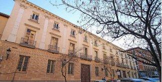 Palacio de Fernán Núñez (©Luis García (Zaqarbal))