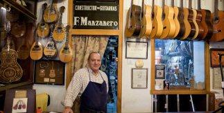 Guitarras Manzanero. Calle Santa Ana, 12