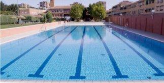 Piscina de verano de la Instalación deportiva San Vicente de Paul de la Coumunidad de Madrid (Calle Pelícano, 4. Metro: Opañel (L6) y Abrantes (L11)