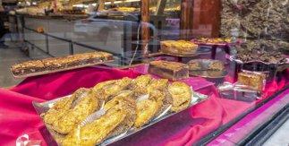 La Semana Santa en Madrid sabe a torrijas. Estas son de La Santiaguesa (© Álvaro López del Cerro).